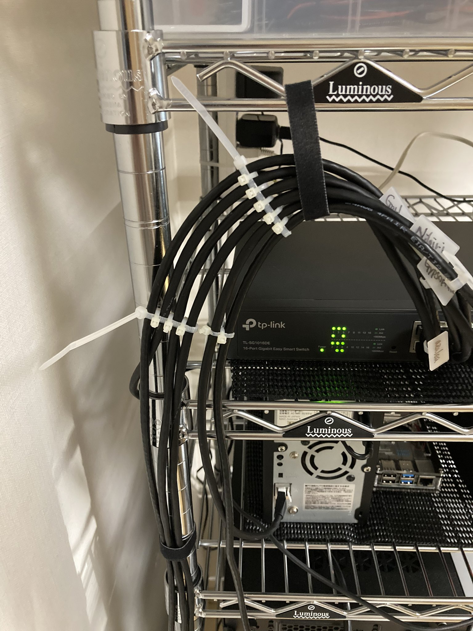 cabling.jpg (426.0 kB)